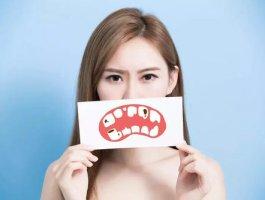 牙龈出血是什么原因?(看医生怎么说的)