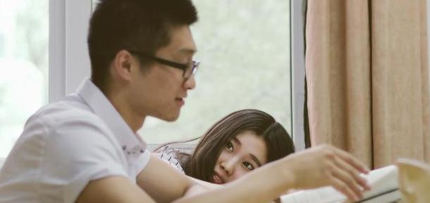 一个女生对男女感情极为抵触是怎么回事? 第1张