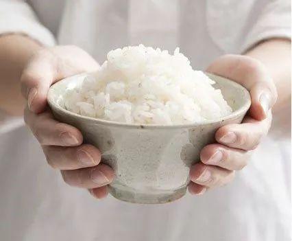 一碗米饭等于116000卡路里,你还敢吃第二碗吗? 第1张