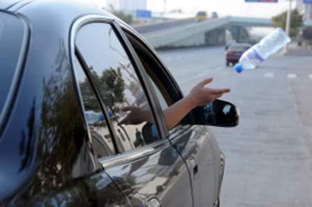 在济广高速上遇到一个高速抛物的人 第1张